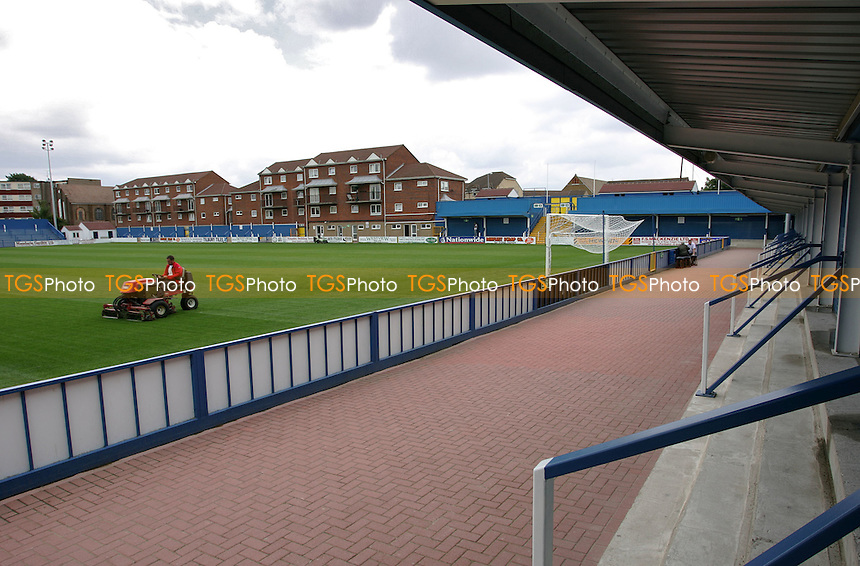 General view from the clubhouse end (covered terrace) at the New Rec - Grays Athletic Football Club - 12/08/05 - MANDATORY CREDIT: Gavin Ellis/TGSPHOTO. Self-Billing applies where appropriate. NO UNPAID USE. Tel: 0845 094 6026