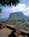 Portugal, Madeira, Blick über Faial zum Penha de Agui (Adlerfelsen)   Portugal, Madeira, view across Faial at Penha de Agui (Eagle's Rock)