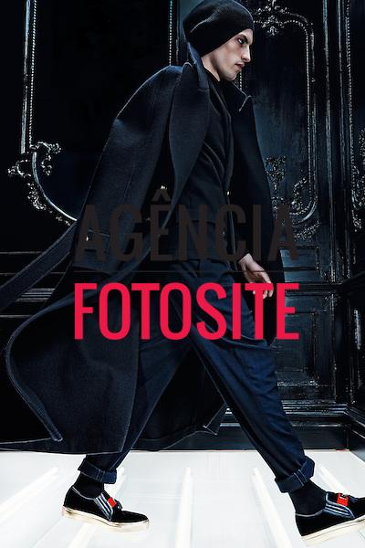 Balmain Homme<br /> Paris Masculino- Inverno 2015<br /> <br /> <br /> foto: FOTOSITE