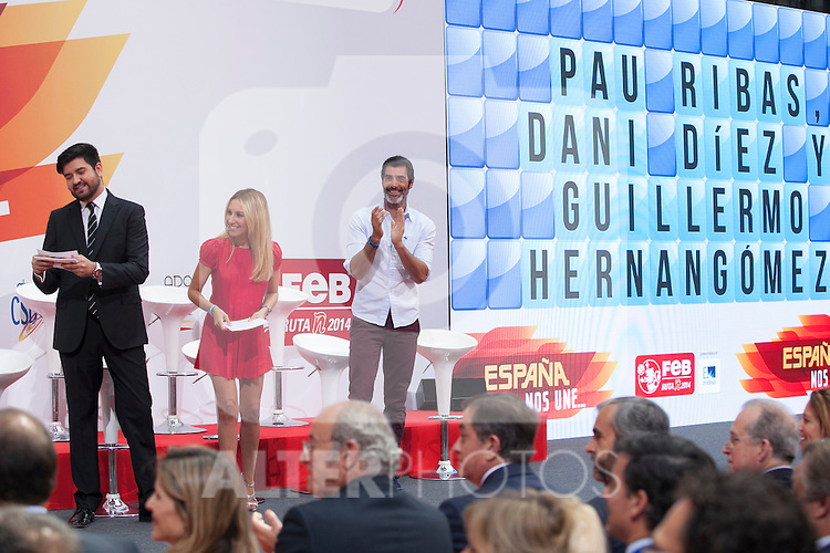 TV presenter Manu Sanchez, Berta Collado and Jorge Fernandez and during the official presentation of Spain´s basketball team for the 2014 Spain Basketball Championship in Madrid, Spain. July 24, 2014. (ALTERPHOTOS/Victor Blanco)