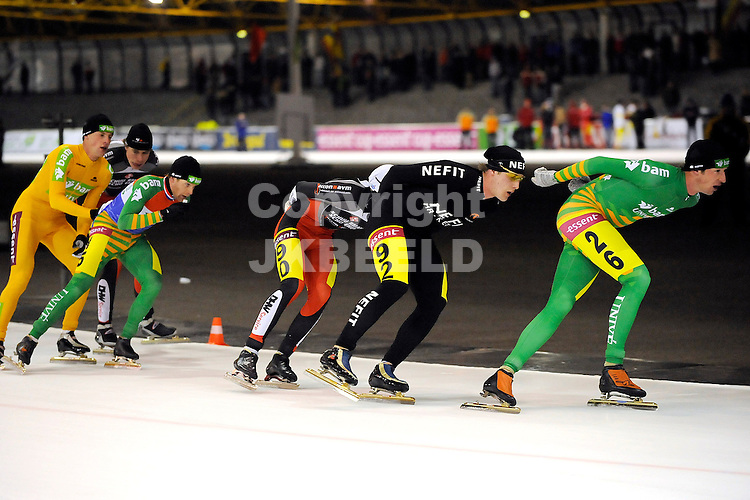 schaatsen assen de smelt essent cup 9  mannen 27-12-2008 willem hut op kop  .  fotograaf jan kanning