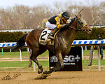 OZONE PARK, NEW YORK - APR 07: Discreet Lover, #2, ridden by Manuel Franco, wins the Excelosior Stakes on Wood Memorial Day at Aqueduct Racetrack, on April 7, 2018 in Ozone Park, New York. ( Photo by Sue Kawczynski/Eclipse Sportswire/Getty Images)