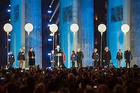 Feierlichkeit zum 25. Jahrestag Mauerfall.<br /> Im Bild: Der Buergermeister Klaus Wowereit haelt eine Rede zum Jahrestag.<br /> 1.vr.: Der ehemalige polnische Praesident Lech Walesa; 3.vr.: Bundespraesident Gauck; 5.vr.: Liedermacher Wolf Biermann; 3.vl.: Ulrike Poppe, DDR-Buergerrechtlerin.<br /> 9.11.2014, Berlin<br /> Copyright: Christian-Ditsch.de<br /> [Inhaltsveraendernde Manipulation des Fotos nur nach ausdruecklicher Genehmigung des Fotografen. Vereinbarungen ueber Abtretung von Persoenlichkeitsrechten/Model Release der abgebildeten Person/Personen liegen nicht vor. NO MODEL RELEASE! Don't publish without copyright Christian-Ditsch.de, Veroeffentlichung nur mit Fotografennennung, sowie gegen Honorar, MwSt. und Beleg. Konto: I N G - D i B a, IBAN DE58500105175400192269, BIC INGDDEFFXXX, Kontakt: post@christian-ditsch.de<br /> Urhebervermerk wird gemaess Paragraph 13 UHG verlangt.]