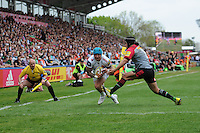 Jack Nowell of Exeter Chiefs goes through Winston Stanley of Harlequins to score a try during the Aviva Premiership match between Harlequins and Exeter Chiefs at The Twickenham Stoop on Saturday 7th May 2016 (Photo: Rob Munro/Stewart Communications)