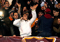 Roma 12/4/2006 Italy Cup Semifinal 2nd Leg <br /> Roma Palermo 1-0 (a.r. 1-2) As Roma qualified<br /> Francesco Totti in curva sud canta con i tifosi della Roma  prima dell'inizio della partita.<br /> AS Roma's captain Francesco Totti, gestures in the stands surrounded by supporters, prior to the start of the Italian Cup semifinal soccer match between AS Roma and Palermo, in Rome's Olympic stadium Wednesday, April 12, 2006<br /> Photo Andrea Staccioli Insidefoto