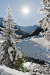 Austria, Tyrol, Ziller Valley Arena, Gerlos: popular ski resort at Gerlos Valley, winter hiking trail into Schoenach Valley to mountain inn Lackenalm | Oesterreich, Tirol, Zillertal-Arena, Gerlos: beliebter Skiort im Gerlostal, Winterwanderweg ins Schoenachtal zur Jausenstation Lackenalm