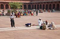 Fatehpur Sikri, Uttar Pradesh, India.  Courtyard of the Jama Masjid (Dargah Mosque).