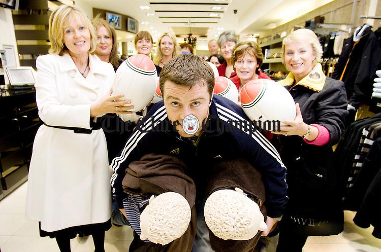 Munster rugby star Marcus Horan launches Ennis Fashion Week.Pic Arthur Ellis.