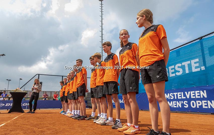 Amstelveen, Netherlands, 10 Juli, 2021, National Tennis Center, NTC, Amstelveen Womans Open, Singles final:  Ballkids,<br /> Photo: Henk Koster/tennisimages.com