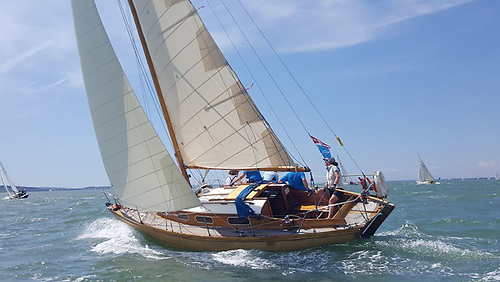 The Sandy Balfour-designed 28ft Honeybee class Ragdoll on her way to a win in a Classic Yacht Regatta