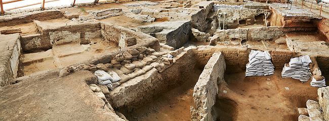Neolithic wall remains of mud brick houses walls of the north ecavation area, 7500 BC to 5700 BC, Catalyhoyuk Archaeological Site, Çumra, Konya, Turkey