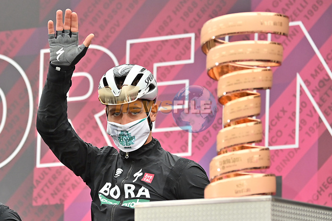 Peter Sagan (SVK) Bora-Hansgrohe at sign on before the start of Stage 3 of the 2021 Giro d'Italia, running 190km from Biella to Canale, Italy. 10th May 2021.  <br /> Picture: LaPresse/Gian Mattia D'Alberto | Cyclefile<br /> <br /> All photos usage must carry mandatory copyright credit (© Cyclefile | LaPresse/Gian Mattia D'Alberto)