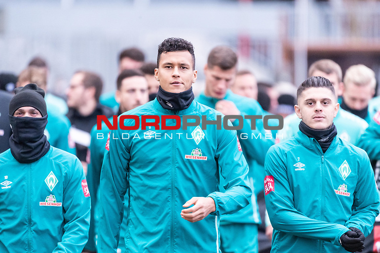 16.11.2020, Trainingsgelaende am wohninvest WESERSTADION - Platz 12, Bremen, GER, 1.FBL, Werder Bremen Training<br /> <br /> <br /> Spieler kommen zum Training mit dabei Davie Selke  (SV Werder Bremen #09)<br /> Milot Rashica (Werder Bremen #07)<br /> <br /> <br /> <br /> Foto © nordphoto / Kokenge *** Local Caption ***