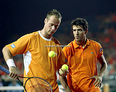 20030920, Zwolle, Davis Cup, NL-India, Dutch team van lottum and Verkerk(l)