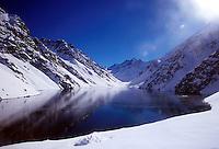 PORTILLO- CHILE-06-07-2008.  El lago de Portillo en Chile. Lake Portillo in Chile. (Photo: VizzorImage)
