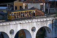 Bondinho de Santa Tereza e Arcos da Lapa. Rio de Janeiro. 2008. Foto de Ricardo Azoury.