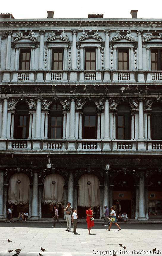 Venice:  Piazza San Marco--elevation.  New Law Courts--Procuratie Nuove.  Photo '83.
