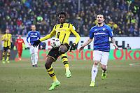 Dembele (Borussia Dortmund) gegen Jerome Gondorf (SV Darmstadt 98)- 11.02.2017: SV Darmstadt 98 vs. Borussia Dortmund, Johnny Heimes Stadion am Boellenfalltor