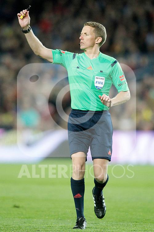 Spanish referee Alejandro Jose Hernandez Hernandez during La Liga match. April 2,2016. (ALTERPHOTOS/Acero)