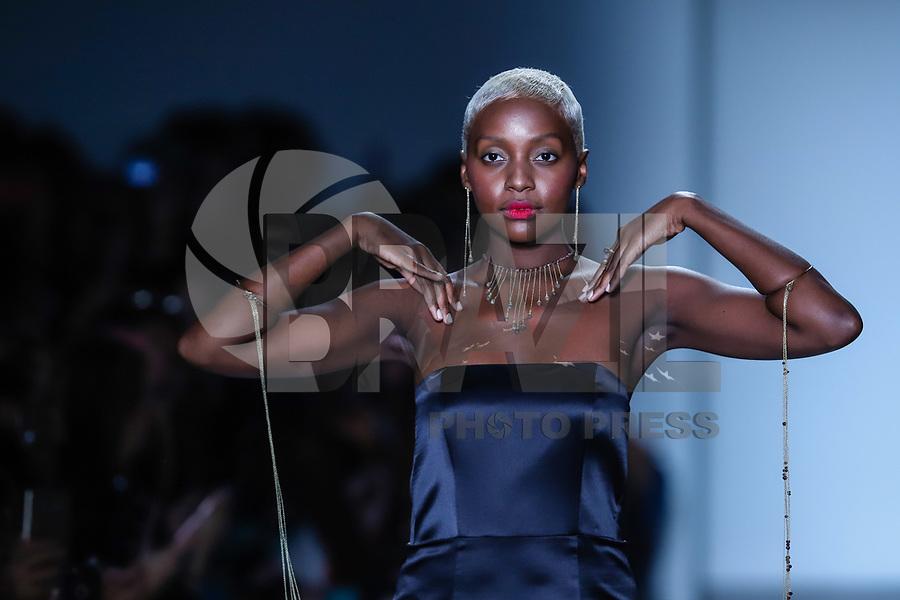 NOVA YORK, EUA, 08.09.2018 - MODA-EUA - Modelo desfila para grife Lesunja durante na New York Fashion Week na cidade de Nova York nos Estados Unidos neste sábado, 8. (Foto: Vanessa Carvalho/Brazil Photo Press)