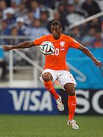 Georginio Wijnaldum of the Netherlands controls the ball