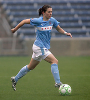 Chicago Red Stars midfielder Karen Carney (14) brings the ball down the field.  The Chicago Red Stars tied Sky Blue FC 0-0 at Toyota Park in Bridgeview, IL on April 19, 2009.