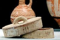 Archäologie-Museum im Barnabas-Kloster (Agios Varnavas), Töpferware aus mittlerer Bronze-Zeit 1900-125 v.Chr., Nordzypern