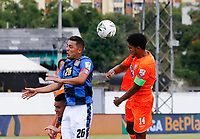 ENVIGADO - COLOMBIA, 25-01-2020: Jairo Palomino del Envigado disputa el balón con Camilo Perez del Chico durante partido por la fecha 1 de la Liga BetPlay DIMAYOR I 2020 entre Envigado F.C. y Boyacá Chicó jugado en el estadio Polideportivo Sur de Envigado. / Jairo Palomino of Envigado fights for the ball with Camilo Perez of Chico during match for the date 1 of the BetPlay DIMAYOR League I 2020 between Envigado F.C. and Boyaca Chico played at Polideportivo Sur stadium of Envigado city.  Photo: VizzorImage / Donaldo Zuluaga / Cont