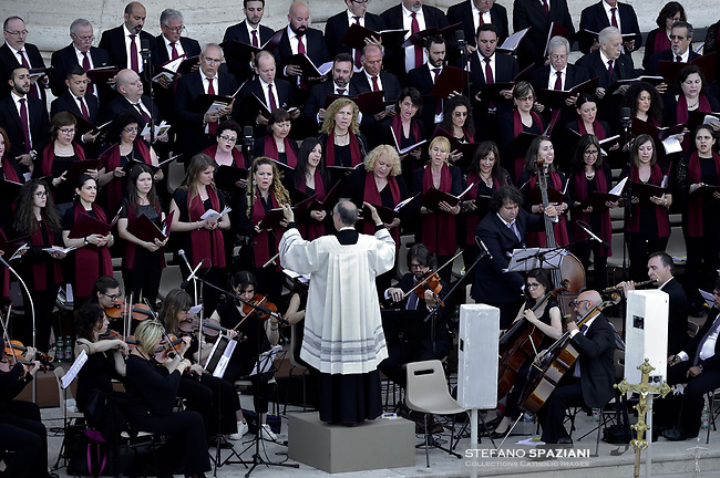 orchesta maestro Fresina.St. Peter's Square in the Vatican during the Pentecost vigil on June 8, 2019 Pope Francis   during  the Pentecost vigil on June 8, 2019