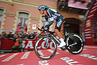 ITALIA. 22-05-2014. El nueva malla rosa Rigoberto Uran -Col- (Omega Pharma Quick-Step) y ganador de la etapa 12 a cronómetro individual entre  Barbaresco y Barolo con una distancia de 42,2 Km en la versión 97 del Giro de Italia hoy 22 de mayo de 2014. / The new pink jersy Rigoberto Uran -Col- (Omega Pharma Quick-Step) and winner of the 12th stage, single stopwatch, between Barbaresco and Barolo with a distance of 42.2 km in the 97th version of Giro d'Italia today May 22th 2014.   Photo: VizzorImage/ Gian Mattia D'Alberto / LaPresse<br /> VizzorImage PROVIDES THE ACCESS TO THIS PHOTOGRAPH ONLY AS A PRESS AND EDITORIAL SERVICE AND NOT IS THE OWNER OF COPYRIGHT; ANOTHER USE HAVE ADDITIONAL PERMITS AND IS  REPONSABILITY OF THE END USER