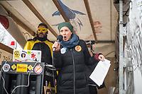 Ca. 70 Menschen protestierten am Mittwoch den 2. Dezember 2020 in Berlin vor Medienhaeusern gegen die ihrer Meinung nach, unausgewogene Berichterstattung ueber die Proteste von Coronaleugnern und forderten, dass sie und als Coronaleugner bekannte Aerzte als Experten in Talkshows eingeladen werden.<br /> Im Bild: Die Designerin Monica Felgendreher als Redenerin vor dem ZDF-Hauptstadtstudio.<br /> 2.12.2020, Berlin<br /> Copyright: Christian-Ditsch.de