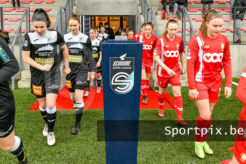 players entering the field pictured before a female soccer game between Standard Femina de Liege and Eendracht Aalst on the 12 th matchday of the 2020 - 2021 season of Belgian Scooore Womens Super League , saturday 30 th of January 2021 in Angleur , Belgium . PHOTO SPORTPIX.BE | SPP | STIJN AUDOOREN