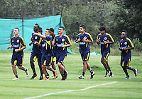 BOGOTA-COLOMBIA-23-04-2013. Jugadores de la Selección Colombia Sub 20, durante entrenamiento en las canchas de la Federación Colombiana de Futbol, abril 23 de 2013.  El equipo colombiano se prepara en Bogota para el Torneo de Toulon y La Copa Mundial Sub 20 de la FIFA Turquia 2013. (Foto: VizzorImage / Luis Ramirez / Staff). Players of the Colombia team U 20, during a training in the court of the Colombian Football Federation, April 23, 2013. The Colombian team is prepared in Bogota for Toulon Tournament and the FIFA U 20 World Cup Turkey 2013. (Photo: VizzorImage / Luis Ramirez / Staff).
