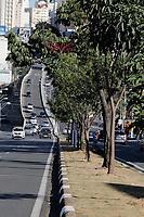 Campinas (SP), 26/05/2020 - Covid-19/Luto - Movimentação nesta terça-feira (26) na Av. Moraes Salles. A cidade de Campinas, interior de São Paulo, confirmou nesta terça-feira (26) mais oito novos óbitos pelo coronavírus na cidade, sendo o maior número já registrado de mortes em um boletim divulgado pela secretaria de Saúde. O total de óbitos chega agora a 62. Ainda há 15 óbitos em investigação pela doença. Com o novo número, o prefeito de Campinas, Jonas Donizette (PSB) declarou luto oficial na cidade por três dias. A decisão será publicada no Diário Oficial de quinta-feira (28), de forma retroativa.
