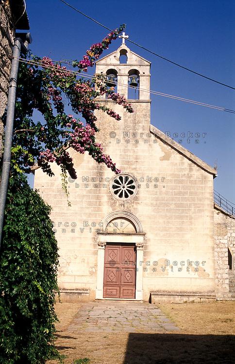 """Stari Grad (Cittavecchia di Lesina), cittadina sull'isola di Hvar tra le più antiche d'Europa --- Stari Grad (""""old town"""") on the island of Hvar, one of the oldest towns in Europe"""