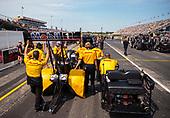 Shawn Langdon, top fuel, DHL, crew