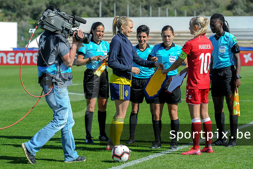 20200307  Lagos , Portugal : the toss pictured before the female football game between the national teams of Sweden and Denmark on the second matchday of the Algarve Cup 2020 , a prestigious friendly womensoccer tournament in Portugal , on saturday 7 th March 2020 in Lagos , Portugal . PHOTO SPORTPIX.BE | STIJN AUDOOREN