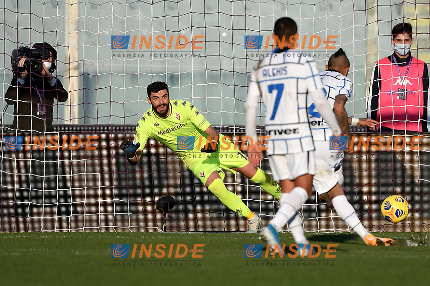 Arturo Vidal of FC Internazionale scores on penalty the goal of 0-1 during the Italy Cup round of 16 football match between ACF Fiorentina and FC Internazionale at Artemio Franchi stadium in Firenze (Italy), January 13th, 2021. Photo Andrea Staccioli / Insidefoto