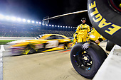 #20: Erik Jones, Joe Gibbs Racing, Toyota Camry DeWalt pit stop