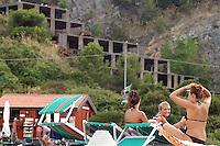 - skeleton of an illicit building on the Palmaria island, in front of Portovenere (La Spezia), will be breaked down in 2009<br /> <br /> - scheletro di costruzione abusiva sull'isola Palmaria, di fronte a Portovenere (La Spezia), sarà abbattuto nel 2009