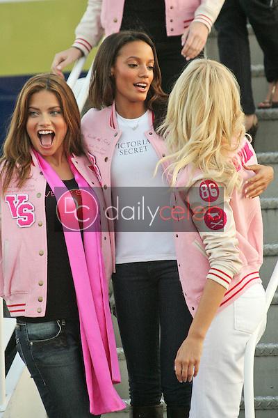 Adriana Lima, Selita Ebanks and Karolina Kurkova<br /> at the arrival of the Victoria's Secret Models via Private Jet to Burbank's Bob Hope Airport, Burbank, CA 11-14-06<br /> <br /> Photo by David Edwards/DailyCeleb.com 818-249-4998