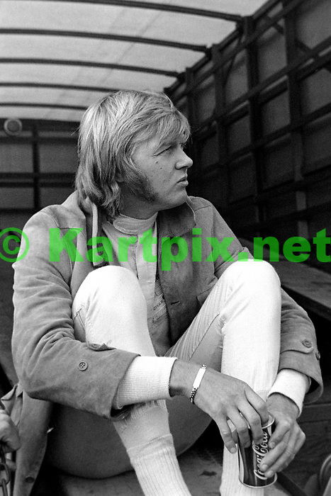 A relaxed Ronnie Peterson at Mallory Park in 1971.<br /> <br /> <br /> <br /> 1971 MALLORY PARK F2<br /> SPEED INTERNATIONAL TROPHY<br /> NON-CHAMPIONSHIP