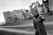 Grozny, Chechyna.1995.Grozny residents returns to the city for the first time since the war began.