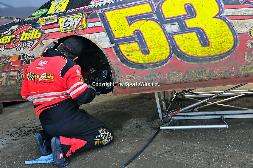 Feb 11, 2011; 5:13:22 PM; Gibsonton, FL., USA; The Lucas Oil Dirt Late Model Racing Series running The 35th annual Dart WinterNationals at East Bay Raceway Park.  Mandatory Credit: (thesportswire.net)