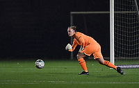 Anderlecht goalkeeper Lowiese Seynhaeve (1) pictured during a female soccer game between Sporting Charleroi and RSC Anderlecht on the third matchday of the 2020 - 2021 season of Belgian Scooore Womens Super League , friday 2 nd of October 2020  in Marcinelle , Belgium . PHOTO SPORTPIX.BE | SPP | DAVID CATRY