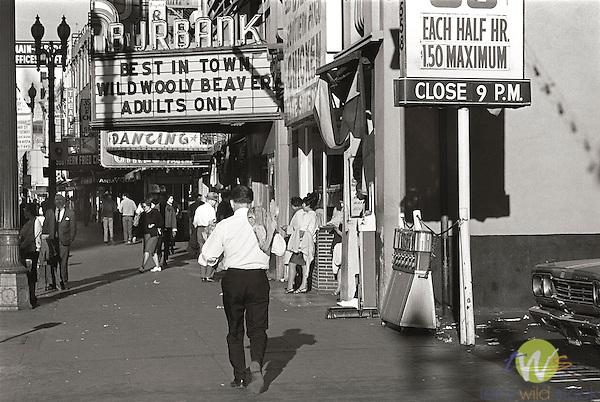1969. Los Angeles. Burbank Theatre.