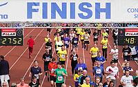 Nederland - Amsterdam - 2019 . De Marathon van Amsterdam. De finish in het Olympisch Stadion.    Foto Berlinda van Dam / Hollandse Hoogte