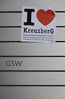 Demonstration gegen steigende Mieten und Verdraengung in Berlin.<br />Bis zu 500 Menschen beteiligten sich am Samstag den 22. Februar 2014 in Berlin-Kreuzberg an einer Demonstration gegen steigende Mieten und Verdraengung. Sie ueberbrachten der ehemals staedtischen Wohnungsbaugesellschaft GSW Mietminderungsschreiben von etwa 200 Mietern, deren Wohnungen und Mietshaeuser trotz steigender Betriebskosten verfallen. Die GSW, vom ehemaligen Senat aus Linkspartei und SPD an einen US-Hedgefond verkauft, tut nichts zum Erhalt der Haeuser.<br />Im Bild: Der Eingang zur GSW-Zentralre wurde von Demonstranten mit Aufklebern beklebt. <br />22.2.2014, Berlin<br />Copyright: Christian-Ditsch.de.[Inhaltsveraendernde Manipulation des Fotos nur nach ausdruecklicher Genehmigung des Fotografen. Vereinbarungen ueber Abtretung von Persoenlichkeitsrechten/Model Release der abgebildeten Person/Personen liegen nicht vor. NO MODEL RELEASE! Don't publish without copyright Christian-Ditsch.de, Veroeffentlichung nur mit Fotografennennung, sowie gegen Honorar, MwSt. und Beleg. Konto:, I N G - D i B a, IBAN DE58500105175400192269, BIC INGDDEFFXXX, Kontakt: post@christian-ditsch.de<br />Urhebervermerk wird gemaess Paragraph 13 UHG verlangt.]