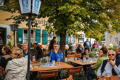 Deutschland, Bayern, Mittel-Schwaben, Unterallgaeu, Bad Woerishofen: Biergarten   Germany, Bavaria, Swabia, Lower Allgaeu, Bad Woerishofen: beer garden