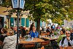 Deutschland, Bayern, Mittel-Schwaben, Unterallgaeu, Bad Woerishofen: Biergarten | Germany, Bavaria, Swabia, Lower Allgaeu, Bad Woerishofen: beer garden